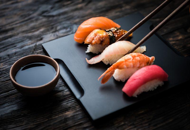 Как правильно есть суши и роллы: 5 простых секретов. Изображение номер 5