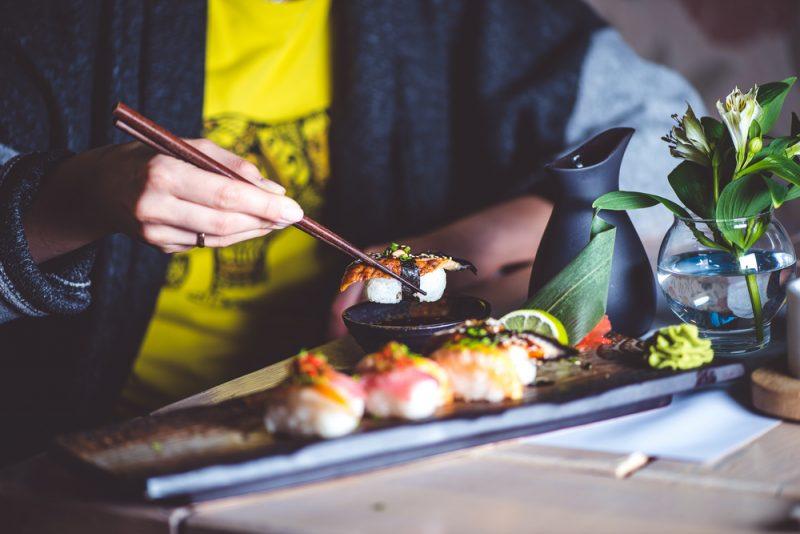 Как правильно есть суши и роллы: 5 простых секретов. Изображение номер 3